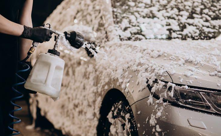 Shampouinage voiture
