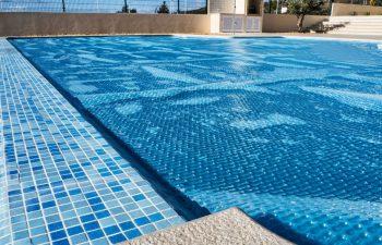 réchauffer l'eau d'une piscine
